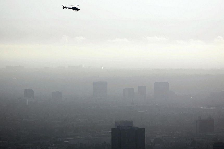 Los Angeles on an afternoon when the skies are filled with smog cause by ozone emissions. -- PHOTO:AFP