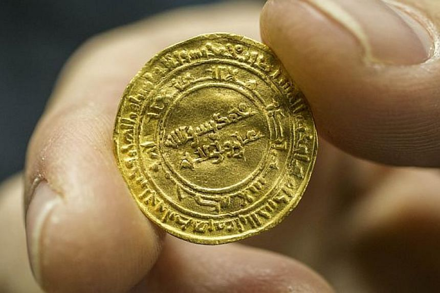 Divers Discover Huge D Of Gold Coins Off Israeli Coast