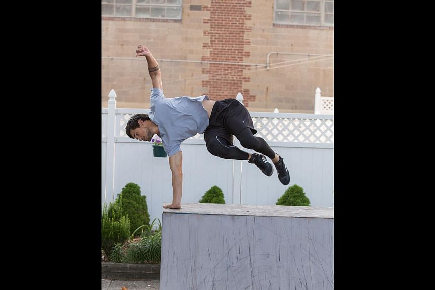 Taylor Lautner (right) is a bike messenger who becomes fascinated with the art of parkour in Tracers.