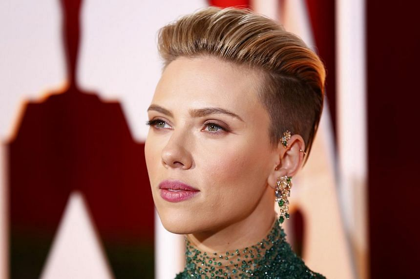 Actress Scarlett Johansson arriving at the 87th Academy Awards in Hollywood, California, on Feb 22, 2015. -- PHOTO: REUTERS