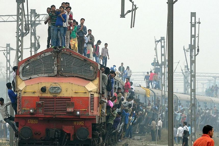 India will increase investment in its overloaded railway network to 8.5 trillion rupees (S$186 billion) over the next five years, the government said on Thursday, Feb 26, 2015, promising to modernise existing tracks and introduce faster trains. -- PH
