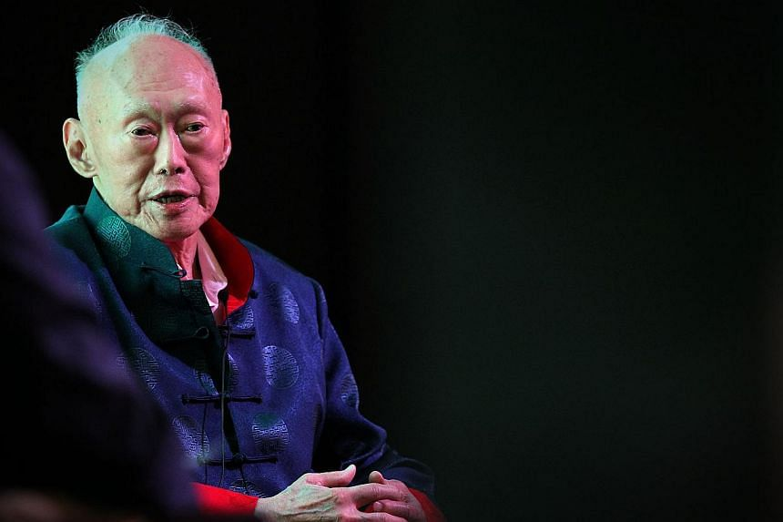 Former prime minister Lee Kuan Yew's condition has improved slightly, according to a statement from the Prime Minister's Office (PMO) on Saturday. -- ST PHOTO: NEO XIAOBIN