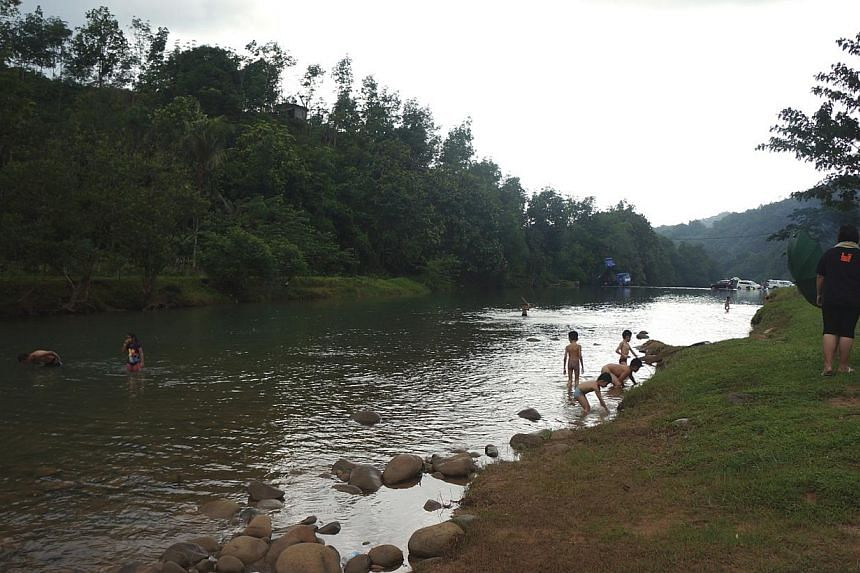 The river at Babagon village is popular with families, especially children. There are also visitors from nearby cities. Ecotourism activities have become an important source of income to the village.
