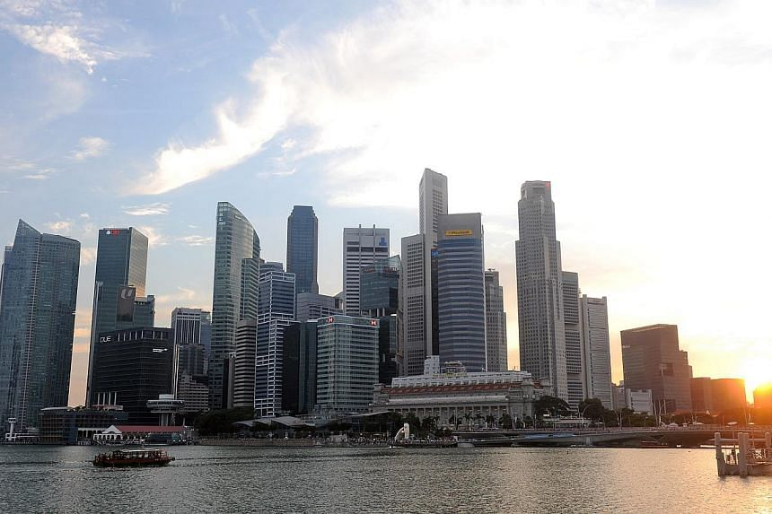 A total of 99.7 per cent of private banking professionals who offer clients financial advice have met the minimum requirement of at least 15 hours of training, according to the Institute of Banking and Finance (IBF) Singapore. -- ST PHOTO: TIFFANY GO