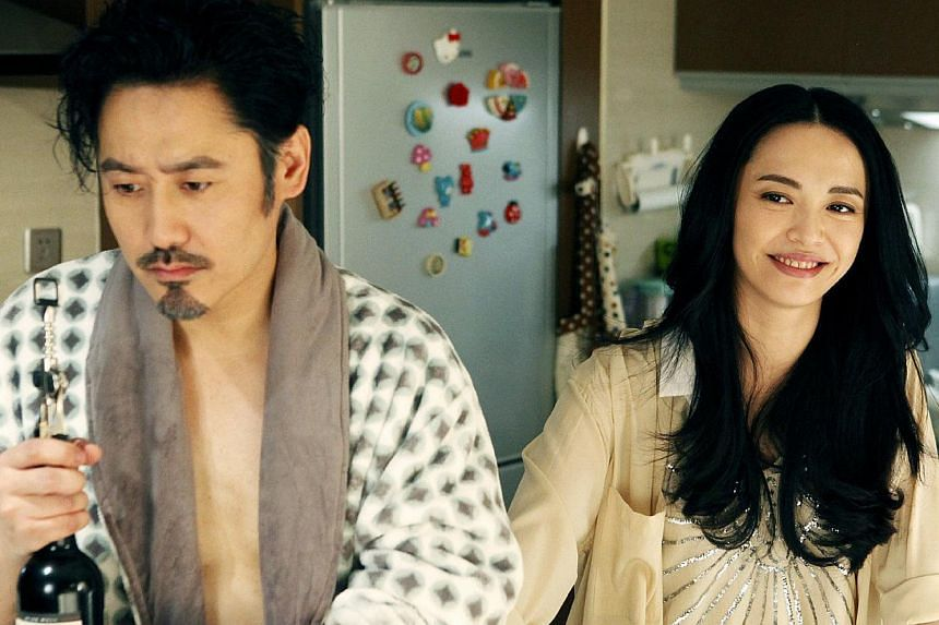 Divorce Lawyers stars Wu Xiubo (left) and Yao Chen (right), who fight and fall in love. -- PHOTO: YOUHUG MEDIA