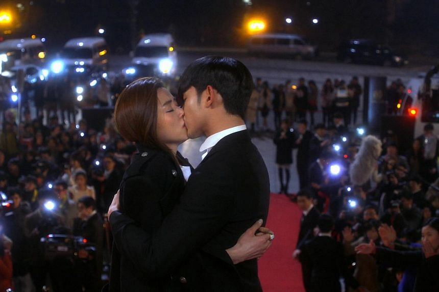 A-list actors Kim Soo Hyun (right) and Gianna Jun star in My Love From The Star. -- PHOTO: ONE