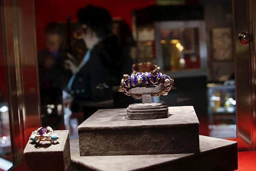 Pieces from the Lauren Bacall collection are seen during a press preview at Bonhams in New York on March 24, 2015. -- PHOTO: REUTERS