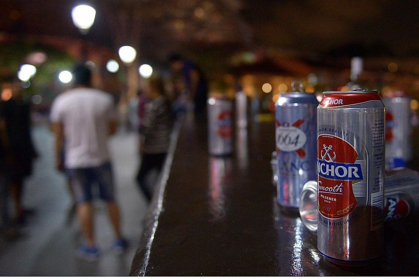The police will adopt a light touch in the initial phase of the new alcohol restrictions, which started on April 1. -- STPHOTO: DESMOND WEE