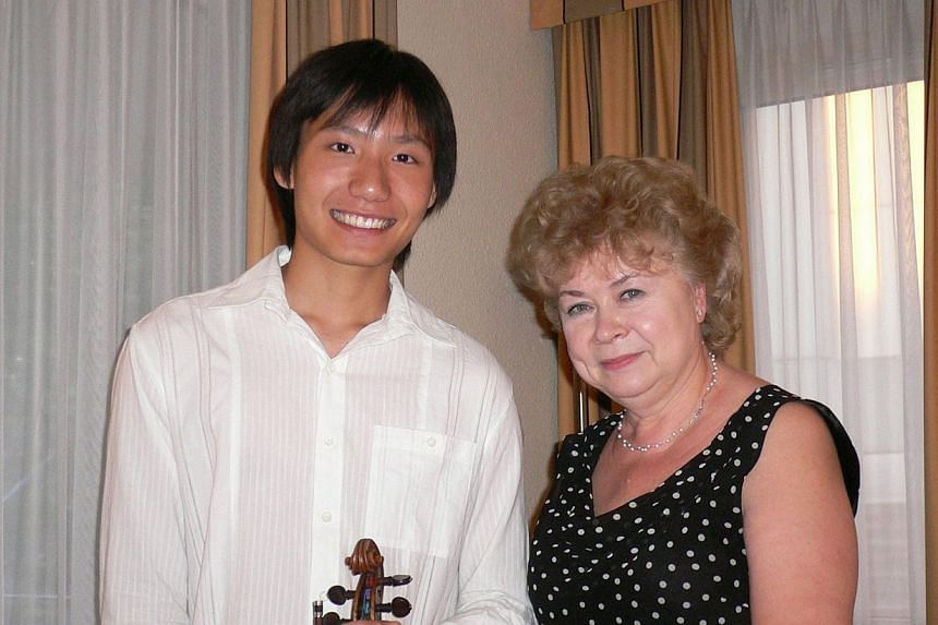 Loh with Natalia Boyarsky, who teaches at the Royal College of Music and The Yehudi Menuhin School, at the festival Civica Scuila di Musica, Recanati, in Italy in 2008. -- PHOTO: COURTESY OF LOH JUN HONG