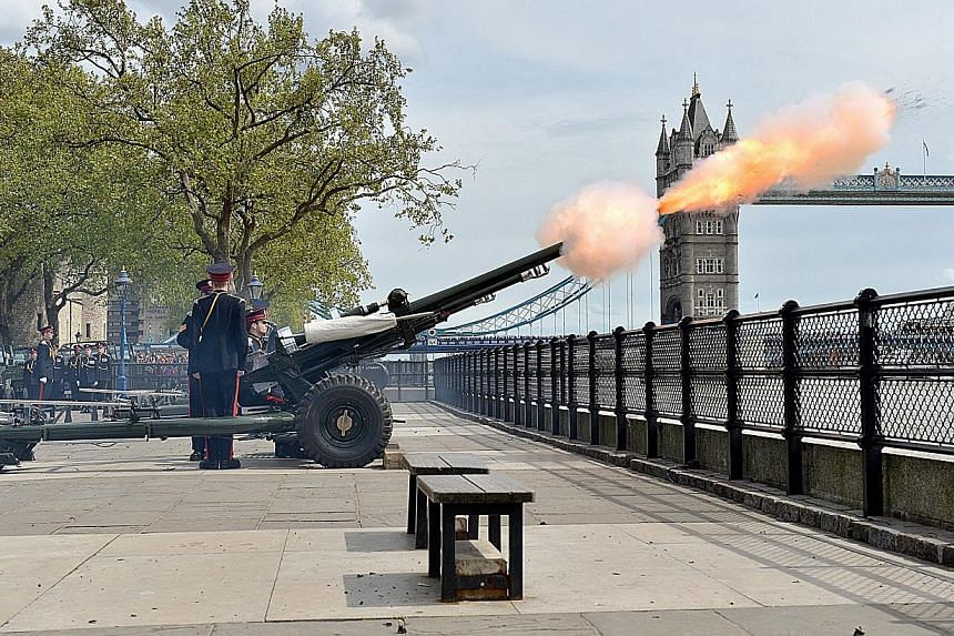 The Honourable Artillery Company (HAC) left their barracks at Armoury House pulling three Ceremonial 105mm Light Guns with their liveried Pinzgauer vehicles and drove through the City with an escort to the Tower of London on Monday to salute the birt