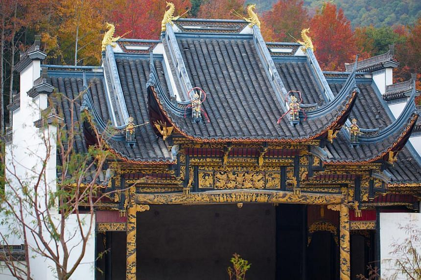 Businessman Qin Tongqian buys ancient Chinese houses and restores them to their former glory. He owns more than 400 of such wooden structures, many of them in Shaoxing, a city in the eastern Zhejiang province. Mr Qing is converting some of them into