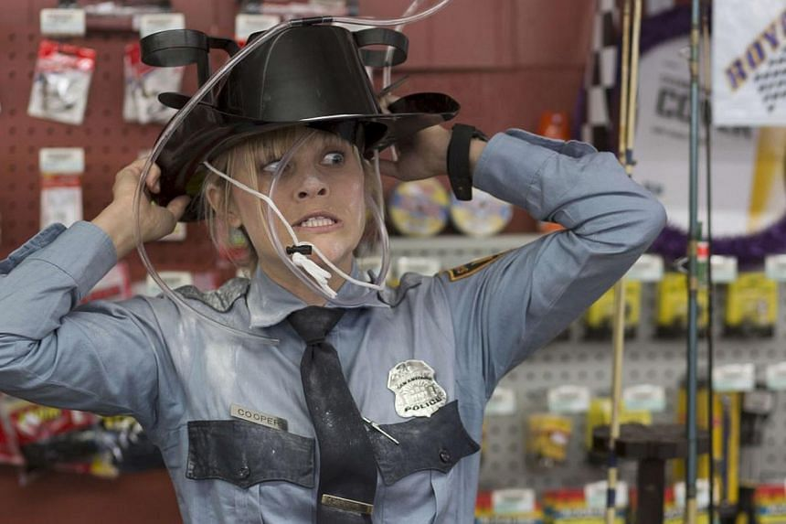 Reese Witherspoon is likeable as Texan cop Rose Cooper. -- PHOTO: WARNER BROS