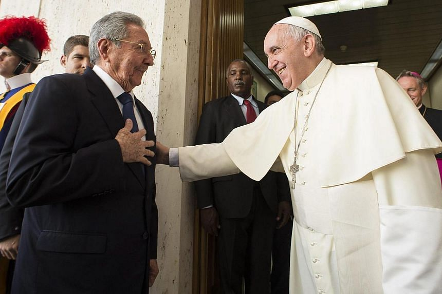Pope Francis meets Cuban President Raul Castro during a private audience at the Vatican, on May 10, 2015. -- PHOTO: EPA