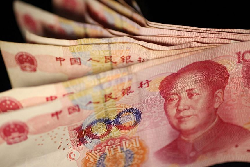 China is unlikely to engineer a competitive devaluation of the yuan as it seeks reserve currency status, according to one of the world's biggest bond funds Pacific Investment Management Co. (Pimco). -- PHOTO: EPA