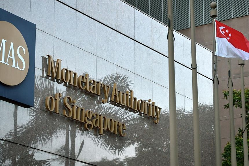 The flexibility and low risk offered by the upcoming Singapore Savings Bonds are ideal for small-time retail investors saving for the long term, financial advisers say. -- ST PHOTO: KUA CHEE SIONG