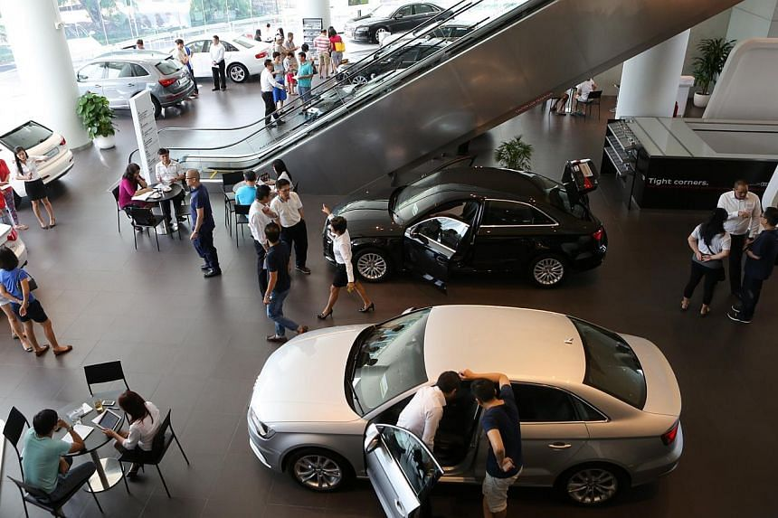 Retail sales increased 2.1 per cent in March over the same month a year ago, as car sales gave overall takings a boost. -- ST PHOTO: ONG WEE JIN