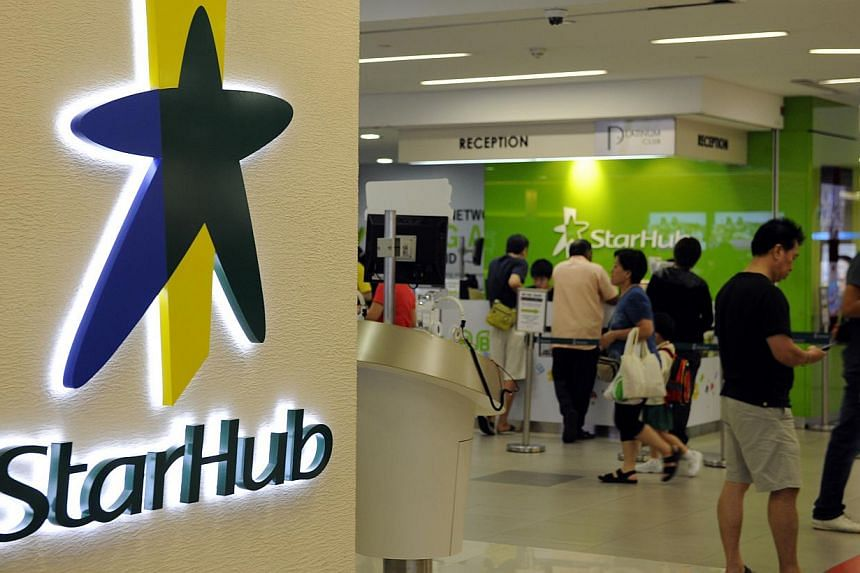 StarHub announced that its net profit for the first quarter ended March 31 fell by 12.4 per cent to $73.7 million. -- PHOTO: BLOOMBERG
