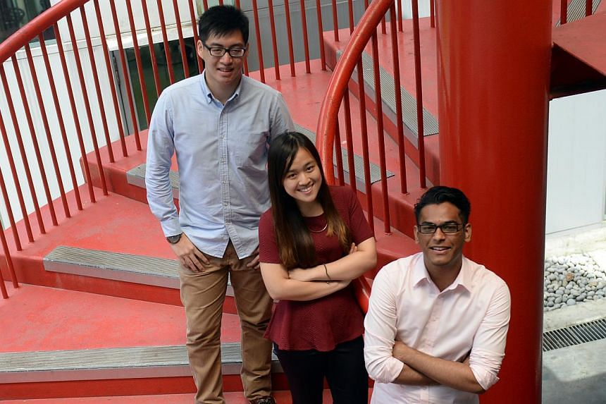 Ms Amanda Chia (middle), who graduates from Singapore Polytechnic on Thursday, is on her way to becoming a doctor after a rocky start as a teenager. -- ST PHOTO: AZIZ HUSSIN