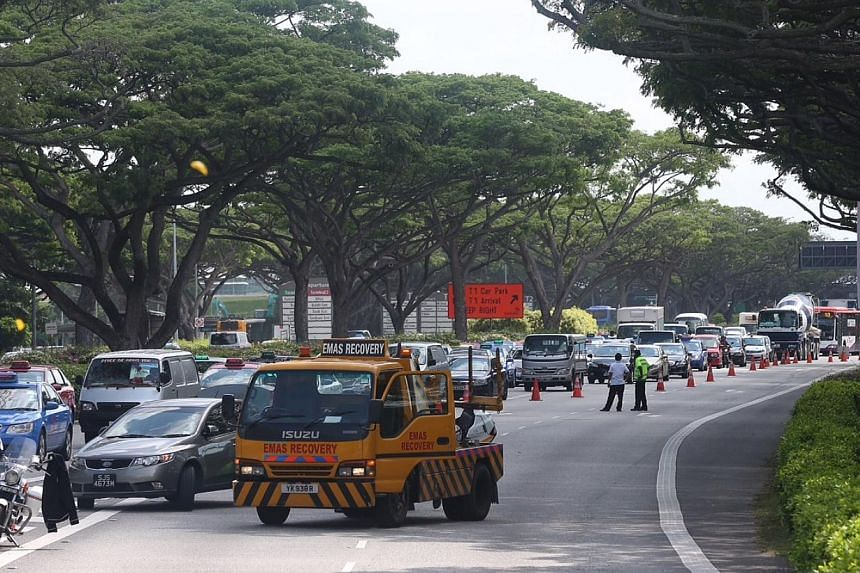 A traffic jam occurred along Airport Boulevard as the exit towards PIE heading to the city was closed due the the accident. -- ST PHOTO: NEO XIAOBIN