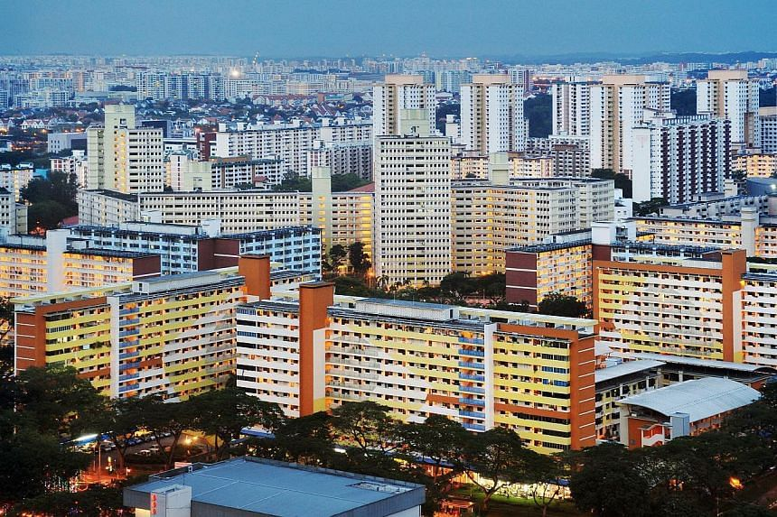 HDB flats in Toa Payoh. The Housing Board will be conducting focus group discussions with about 500 residents and stakeholders of Toa Payoh, Woodlands and Pasir Ris, ahead of the towns' revamps. -- PHOTO: ST FILE