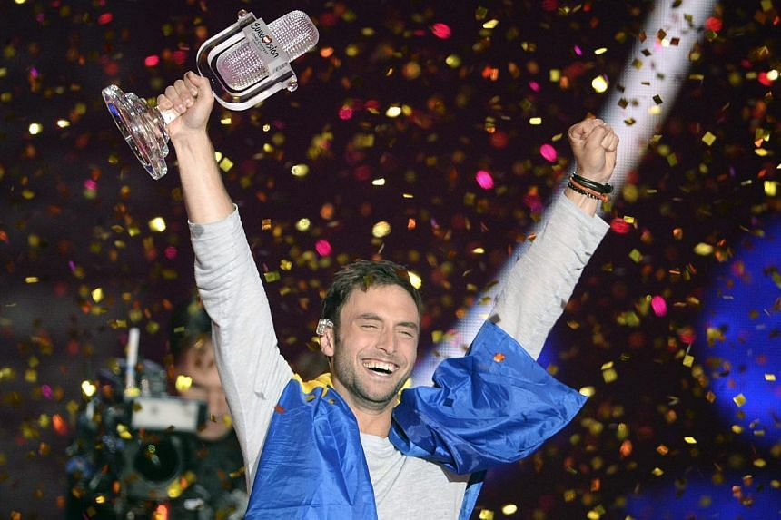 Mans Zelmerlow celebrates his victory during the Grand Final of the 60th annual Eurovision Song Contest (ESC) at the Wiener Stadthalle in Vienna, Austria, on 23, May 2015. -- PHOTO: EPA