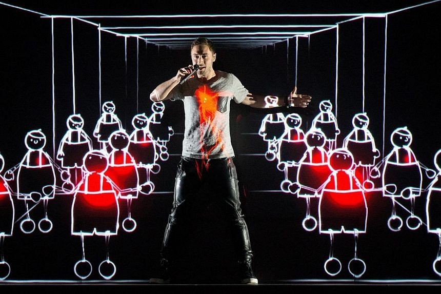 Mans Zelmerlow performs during rehearsals for the Grand Final of the 60th annual Eurovision Song Contest (ESC) at the Wiener Stadthalle in Vienna, Austria, on May 22, 2015. -- PHOTO: EPA