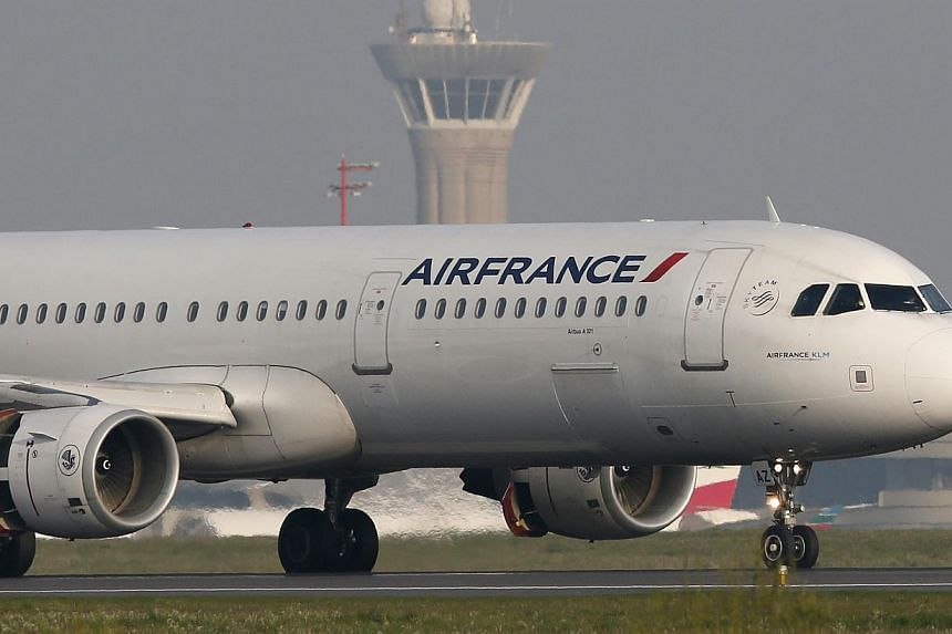 Air France Flight 22 from Charles de Gaulle airport in Paris was being escorted by U.S. fighter jets to New York's John F. Kennedy airport after an anonymous threat was made against the flight, New York's WABC television reported on Monday. -- PHOTO:
