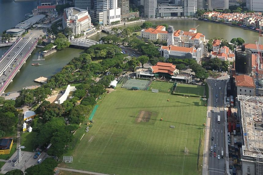 Members of the public would be prohibited from flying kites or drones, or hoisting ballons, over the Padang and its surrounding areas on selected days from June to Aug 9. -- PHOTO: ST FILE