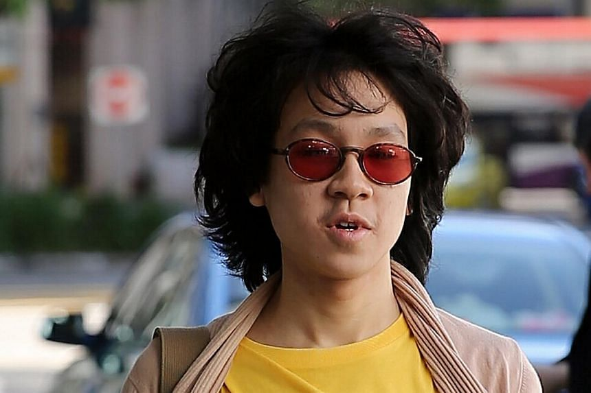 Amos Yee arriving at the State Courts on June 2, 2015. Yee is back in prison for three weeks, after the judge who heard his case on Tuesday morning called for a reformative training report. -- ST PHOTO: WONG KWAI CHOW