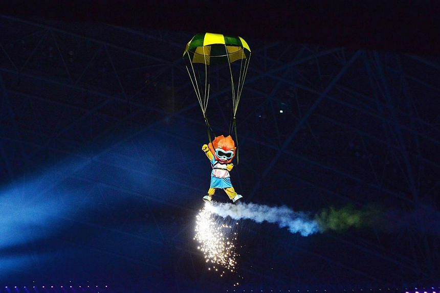 The 28th SEA Games Opening Ceremony, a two-hour extravaganza that involved some 5,000 performers and volunteers, held at the National Stadium on June 5, 2015. -- PHOTO: BERITA HARIAN