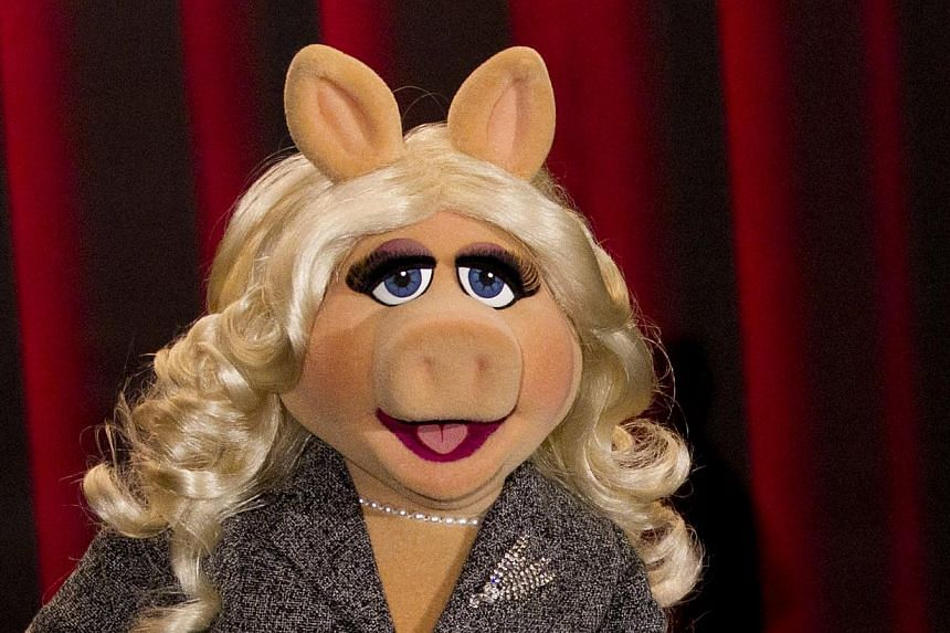 Screen and TV star, diva and beloved Muppet, Miss Piggy, is being recognized for her contributions to society with a feminist award at the Brooklyn Museum in New York on Thursday. -- PHOTO: REUTERS