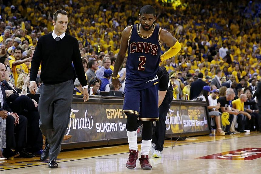 Cleveland Cavaliers guard Kyrie Irving had surgery on Saturday to repair his fractured left kneecap, a procedure described as successful by the National Basketball Association team. -- PHOTO: AFP