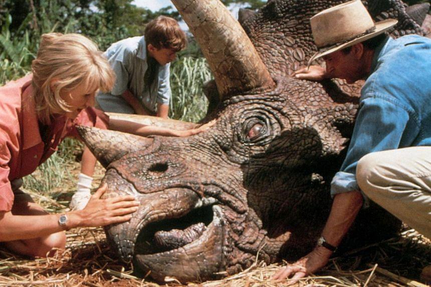 Jurassic Park (1993).