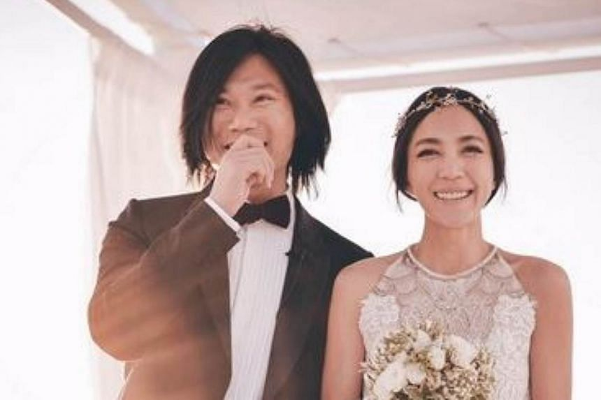 Mayday bassist Masa (left) married fashion designer Vicky Hsieh on Santorini on Sunday, June 14, 2015. -- PHOTO: B'IN MUSIC