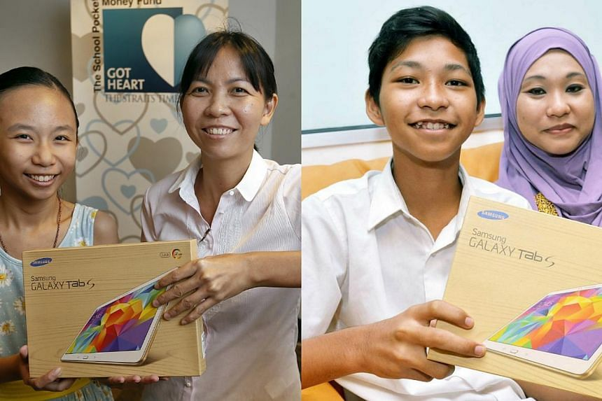 The Straits Times School Pocket Money Fund beneficiaries Lim Jia Qi (left photograph, on the left) with her mother, part-time canteen assistant Jaw Kim Hiang and Muhamad Khairul Irzhan (right photograph, on the left) with his mother Madam Iryeanty Sa