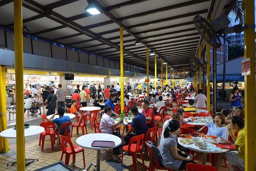 The coffee shop in Bukit Batok Street 11 has 19 stalls.