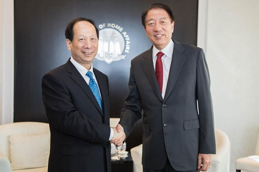 Suzhou Party Secretary Shi Taifeng (left) calling on Deputy Prime Minister Teo Chee Hean.