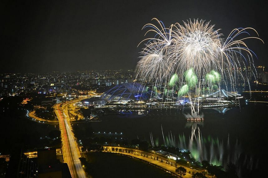 Fireworks going off during the 28th SEA Games closing ceremony.