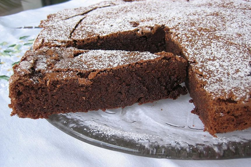 Anne Martinetti, who wrote the cookbook Cremes et Chatiments inspired by Agatha Christie plots, wants to share the chocolate cake called Delicious Death in Christie's novel A Murder Is Announced.