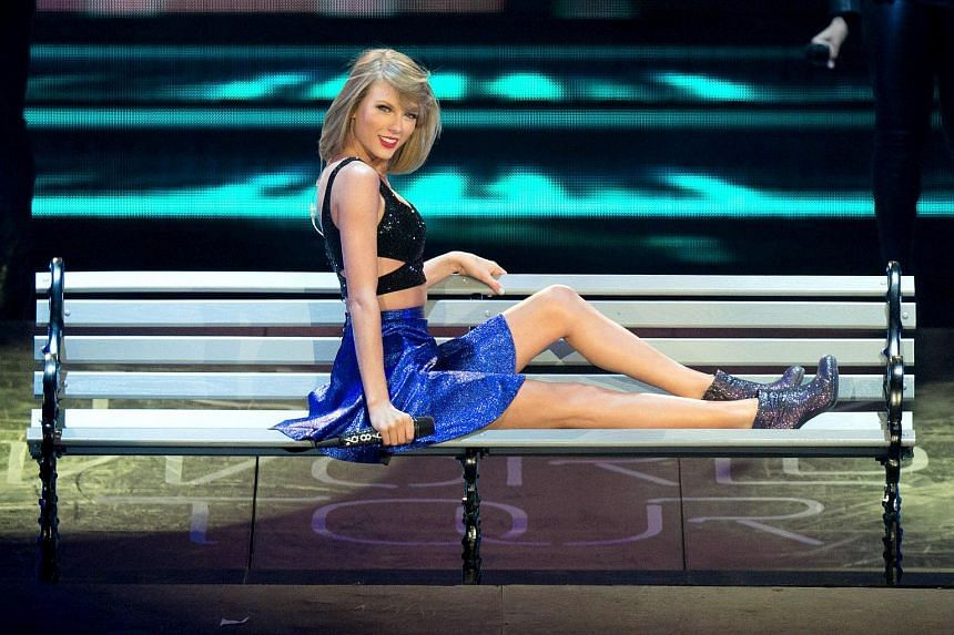 Taylor Swift performs onstage during Rock in Rio USA at the MGM Resorts Festival Grounds on May 15, 2015 in Las Vegas.