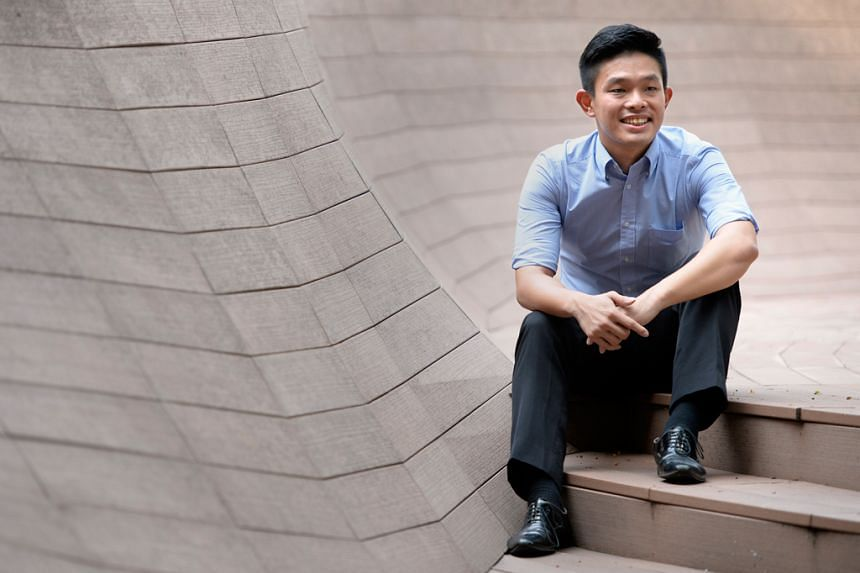 Doing badly in the PSLE landed David Hoe in the weakest Normal (Technical) stream in secondary school. After finishing his N levels, he was so determined to become a teacher, he repeated Secondary 3 and 4 in the Express stream. He is now studying eco