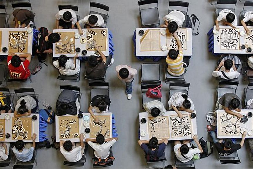 Finance Minister Tharman Shanmugaratnam's way of making policy change is like the move of a weiqi master player. One has to fight on multiple fronts in a game that rewards strategic thinking and patience.