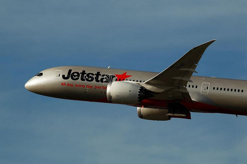 Jetstar Airlines has cancelled several flights to Bali because volcanic ash.