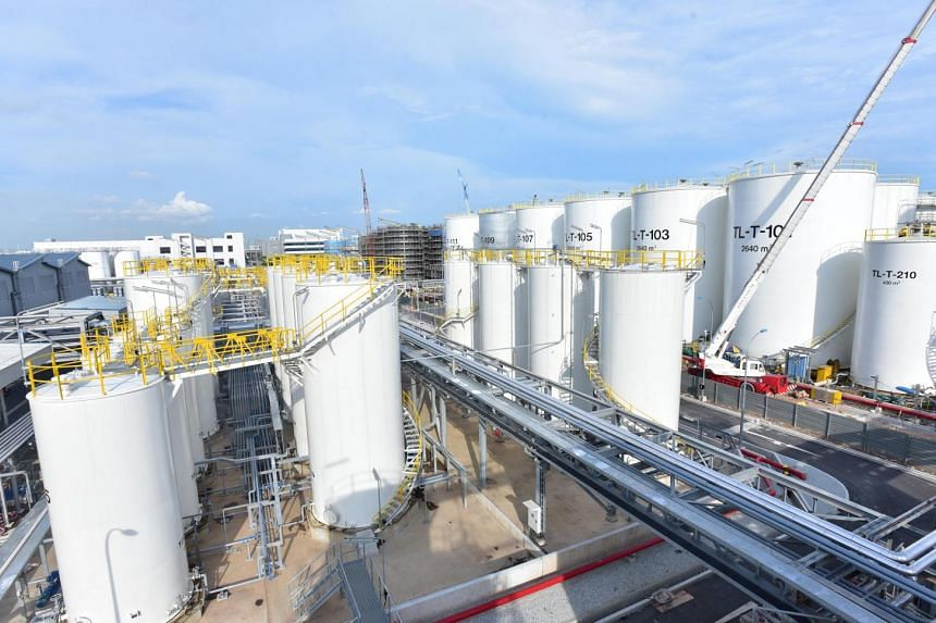 Located at the Singapore Lube Park, Total's new lubricant plant doubles its production capacity in Singapore.