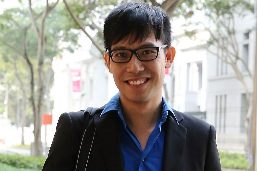 Blogger Roy Ngerng has issued another apology to PM Lee on his blog just after midnight on Friday.