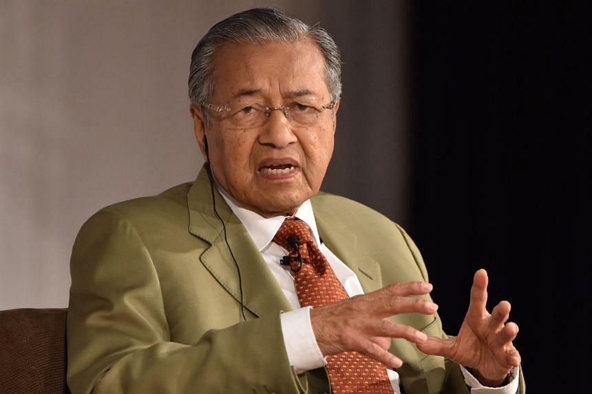 Malaysia's former prime minister Mahathir Mohamad in Tokyo on May 22, 2015.