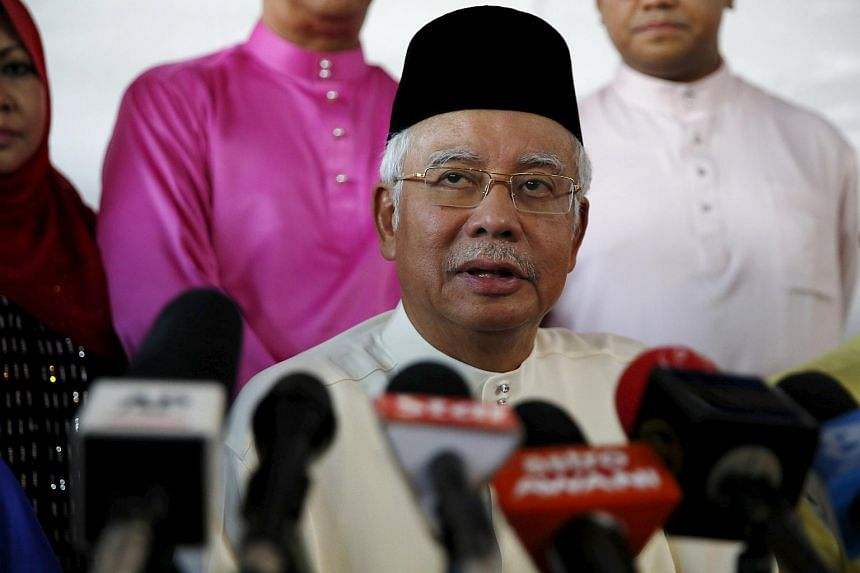 """An """"emergency"""" supreme council meeting reportedly took place between Malaysin PM Najib Razak and Umno leaders."""