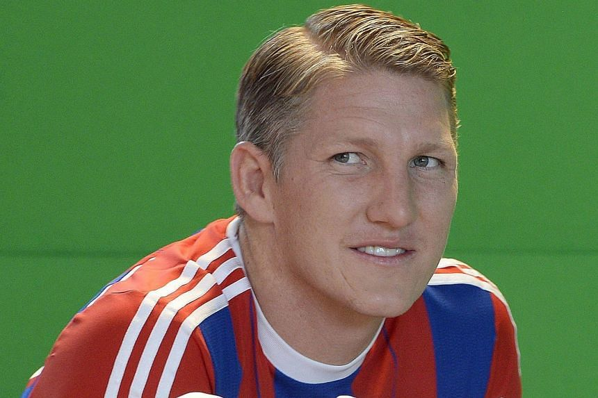 Germany midfielder Bastian Schweinsteiger is said to relish the idea of teaming up again with Manchester United boss Louis van Gaal, who had coached Bayern Munich from 2009 to 2011.