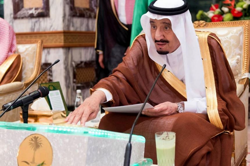 King Salman bin Abdulaziz Al Saud launching five projects within the Third Saudi expansion for the Grand Mosque in Makkah.