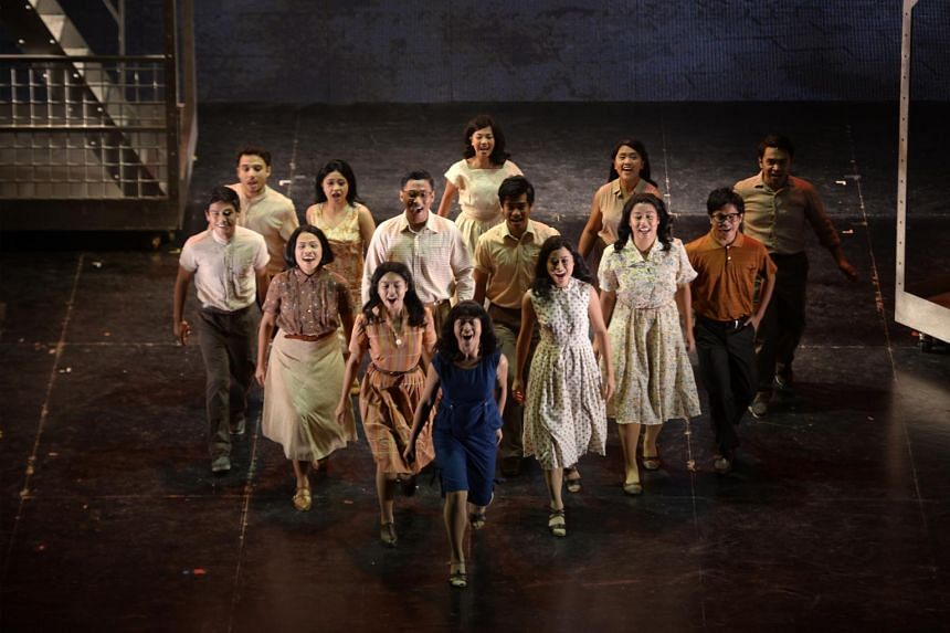 The organiser of Singapura: The Musical, which cut short its run, says it will honour all contracts, as several cast, crew and vendors have spoken of non-payment or delays in being paid.